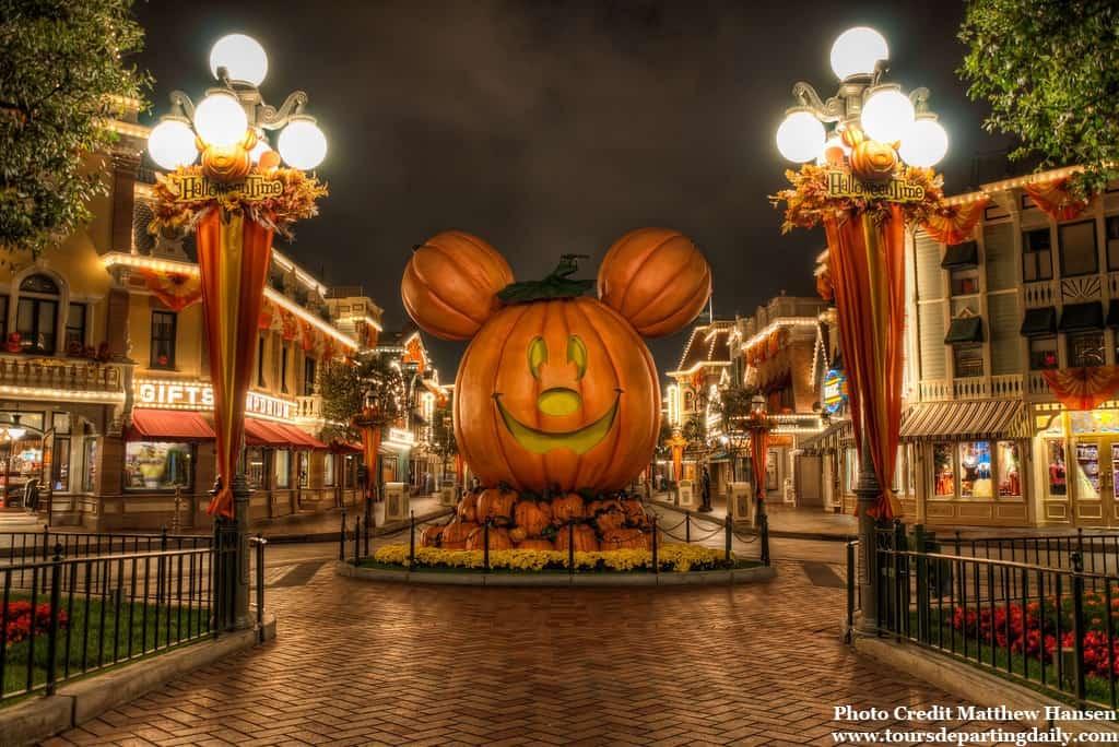 Disneyland Main Street Pumpkin Festival